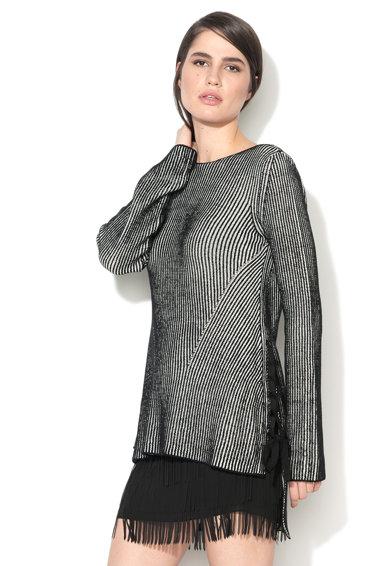 Pulover negru si alb cu terminatie asimetrica de la Sisley