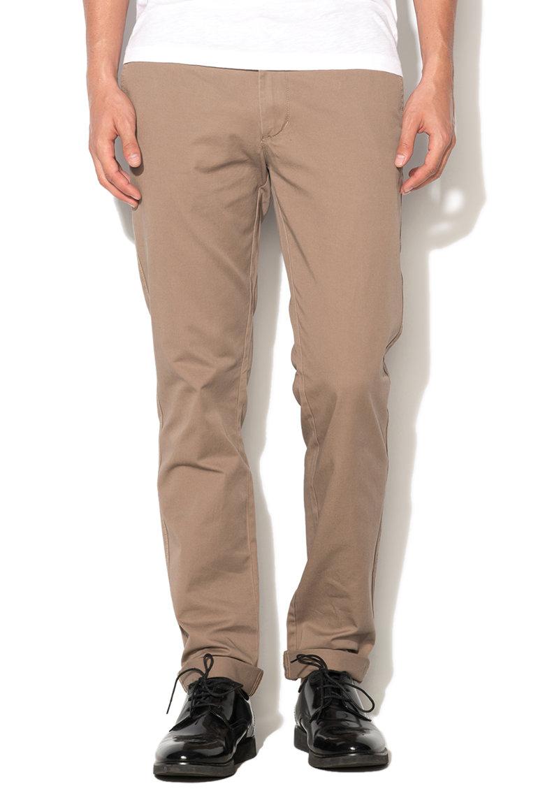 Pantaloni chino slim fit maro nisip de la United Colors of Benetton