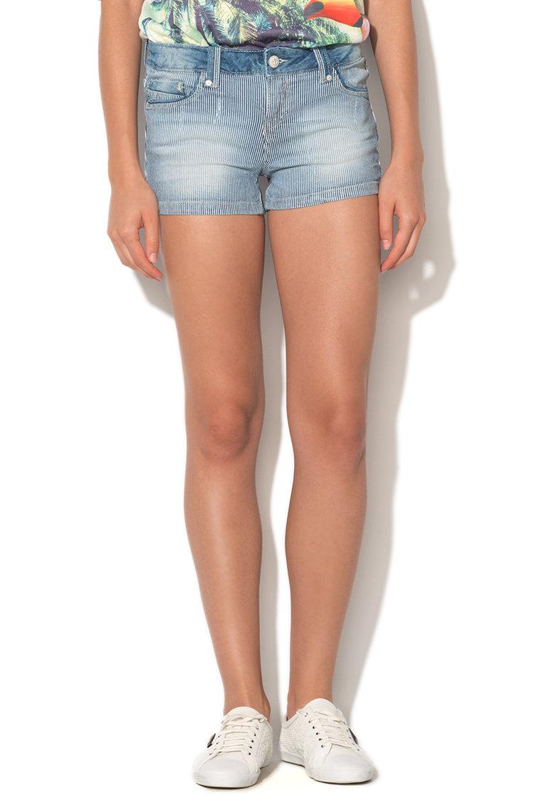 Pantaloni scurti bleu cu alb din denim