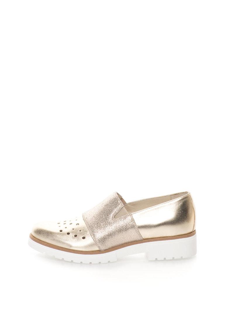 Pantofi slip-on auriu deschis de piele cu perforatii de la Zee Lane Collection