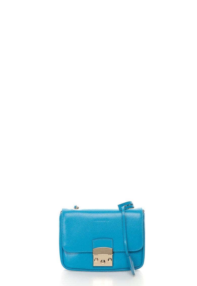 Geanta crossbody albastra de piele saffiano Margo de la COCCINELLE