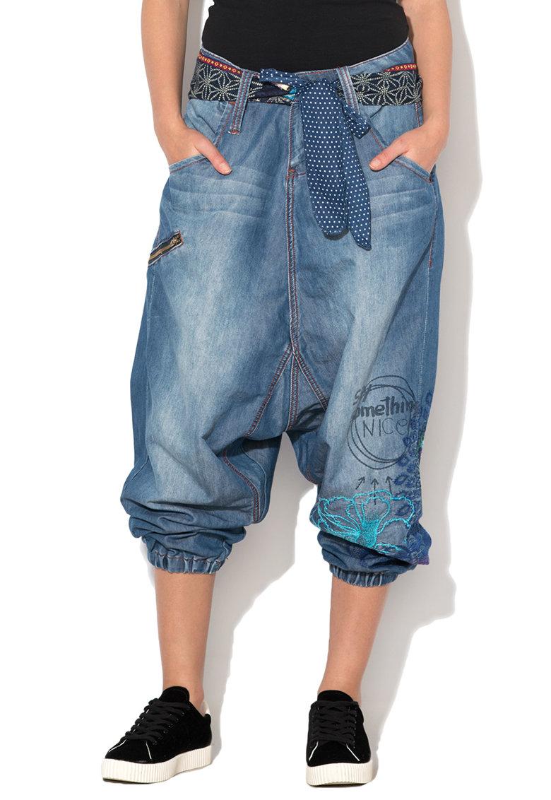Desigual Pantaloni harem albastri din chambray cu broderii