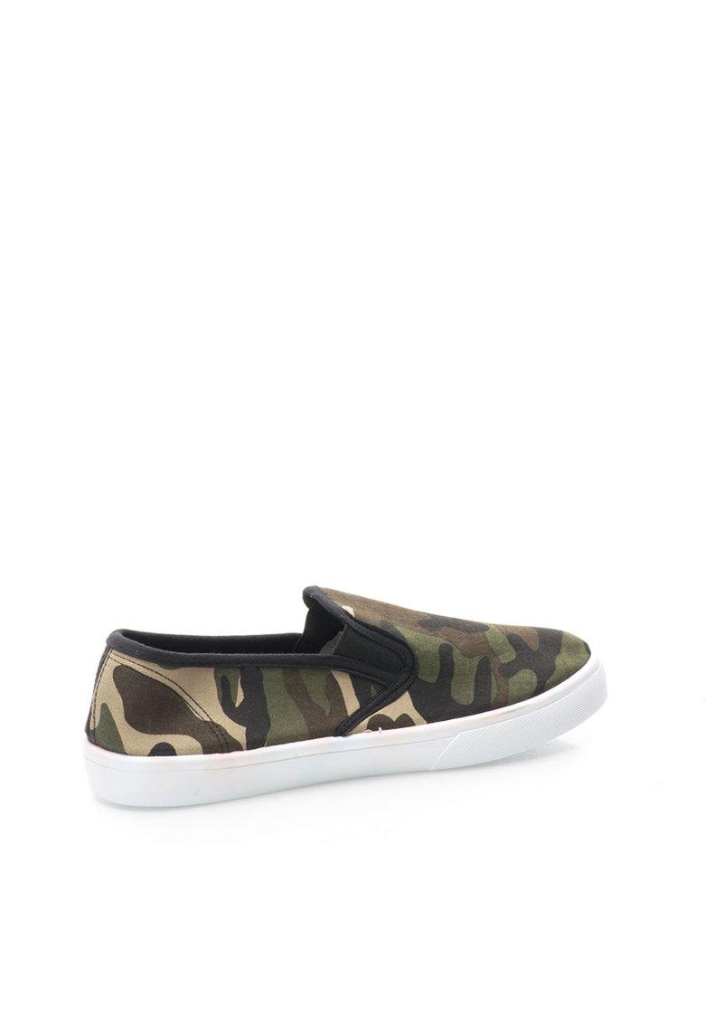 Pantofi slip-on verzi cu imprimeu camuflaj