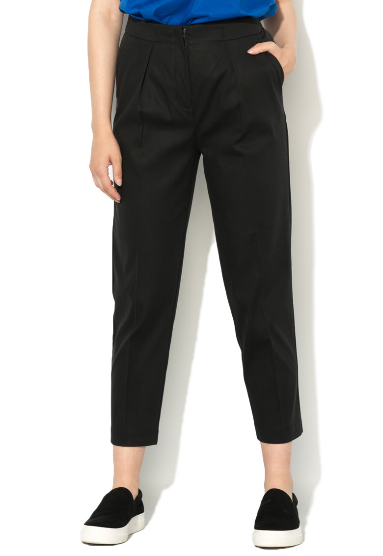 Pantaloni crop conici negri de la United Colors of Benetton