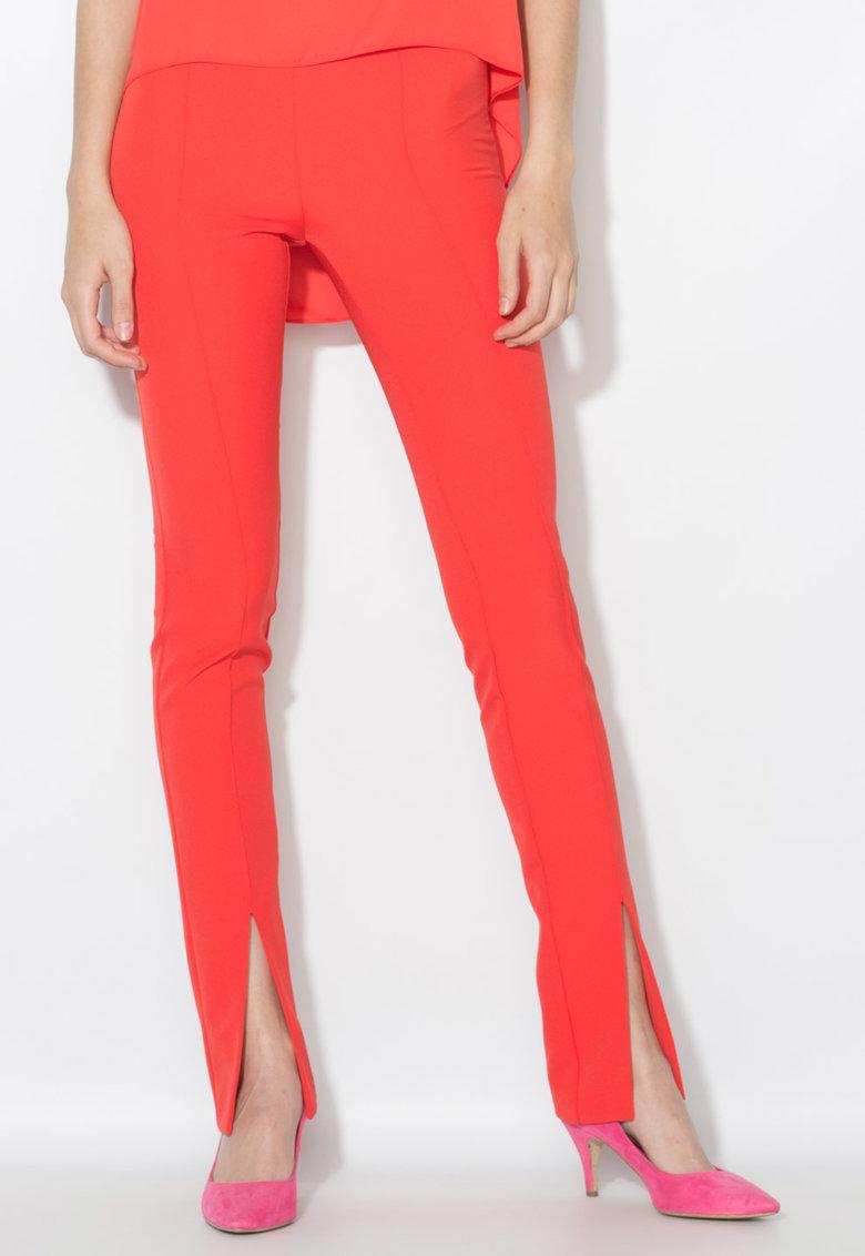 Pantaloni rosu aprins cu pensa si slituri frontale