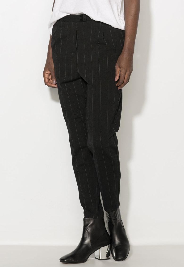 Pantaloni conici cu dungi discrete Zee Lane Denim