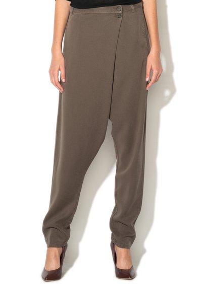 Pantaloni harem maro nisip din lyocell cu design infasurabil de la United Colors Of Benetton